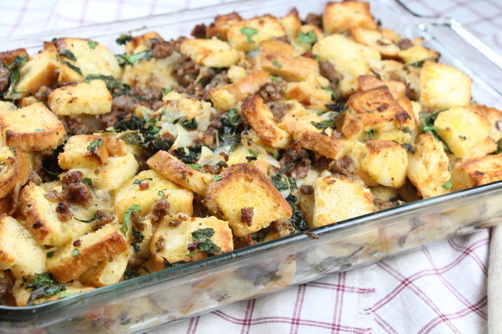 Sausage and Kale Thanksgiving Dressing