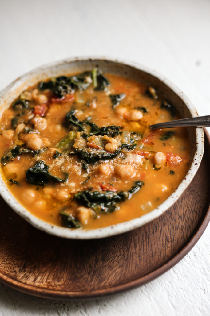 Easy Chickpea and Kale Tuscan-Style Soup